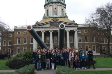Vor dem Imperial War Museum London